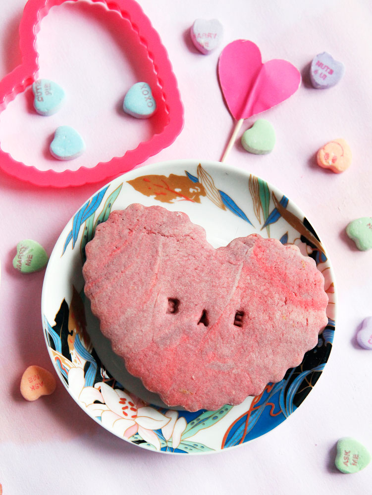 Marbled conversation heart sugar cookies for Valentine's Day | www.freckleandfair.com