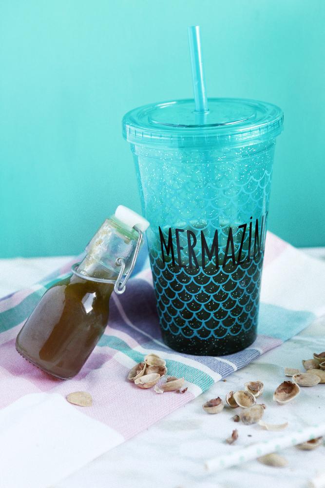 Pistachio iced coffee | freckleandfair.com