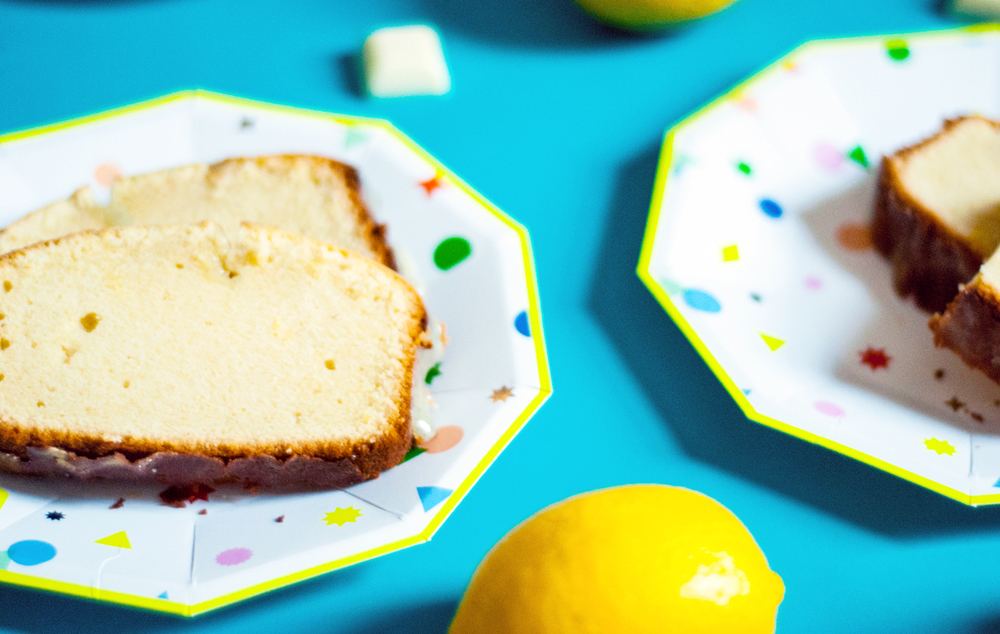 Lemon poundcake with white chocolate vanilla bean glaze | freckleandfair.com