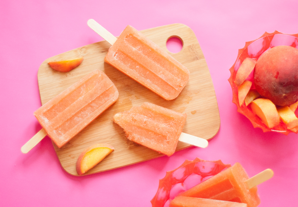 Peach rosé popsicles | freckleandfair.com