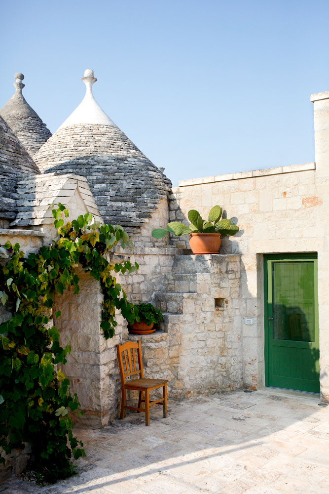 Trullo house in Locorotondo in Puglia, Italy | freckleandfair.com