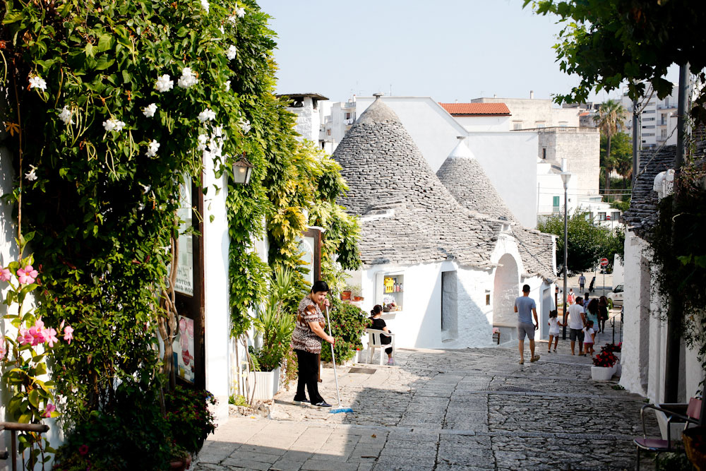 Trulli houses in Alberobello in Puglia, Italy | freckleandfair.com