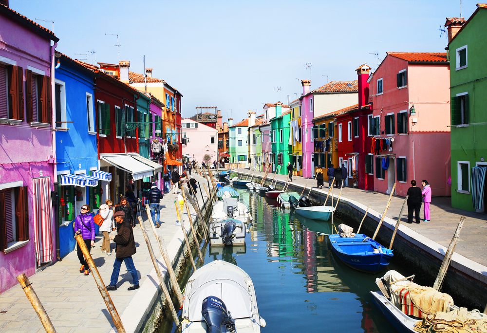 Trip to the island of Burano and Venice | Freckle & Fair
