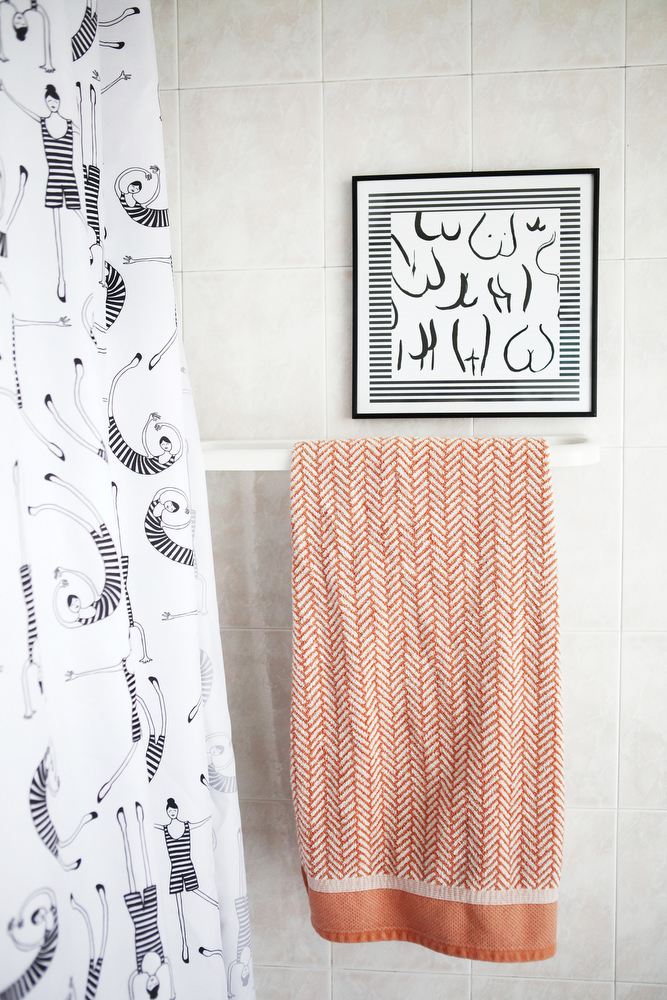 Pink bathroom update with a Scandinavian feel | www.freckleandfair.com