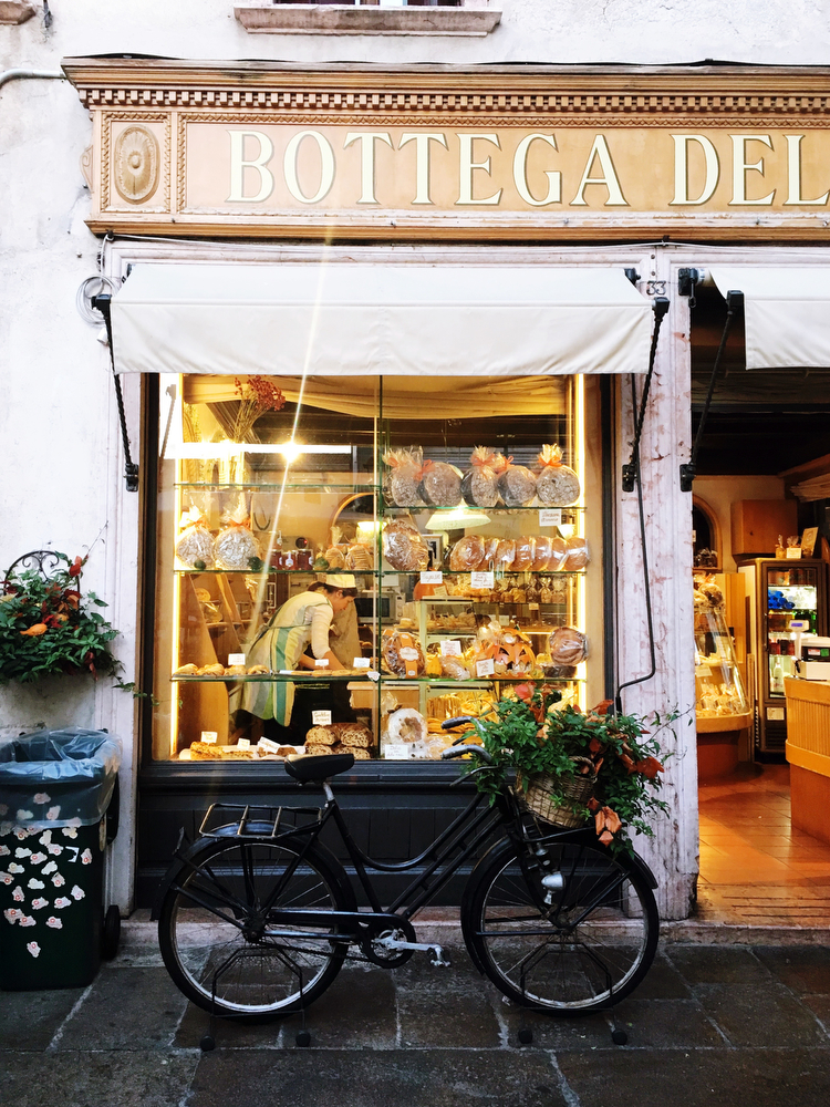Italian bakery in Bassano del Grappa, Italy | www.freckleandfair.com