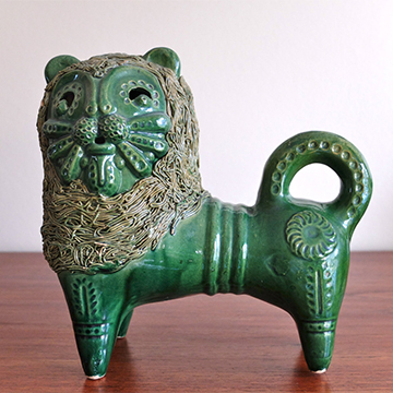 Porcelain lion  from  Le Strict Maximum ; $187.90