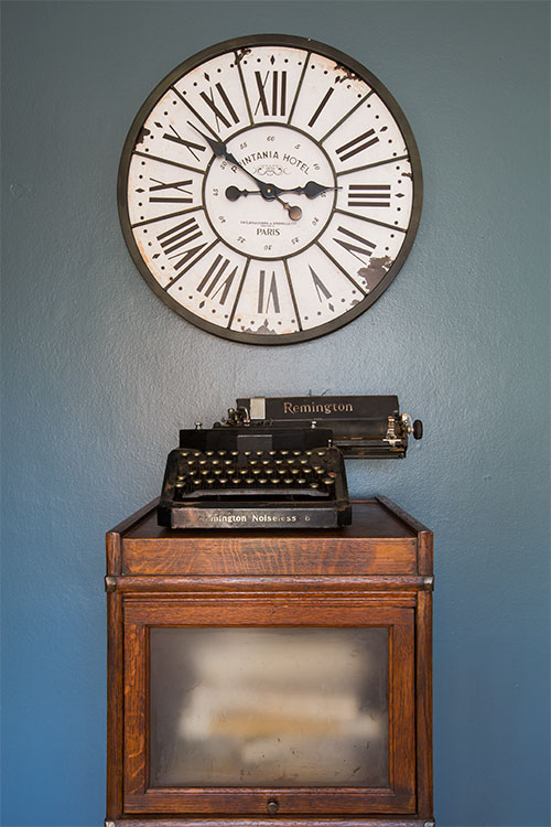 JZID-Newton-Avenue-Bungalow_office-clock-closeup.jpg