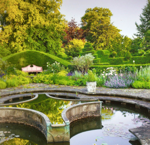 highgrove_patio_pond_-_Google_Search.png