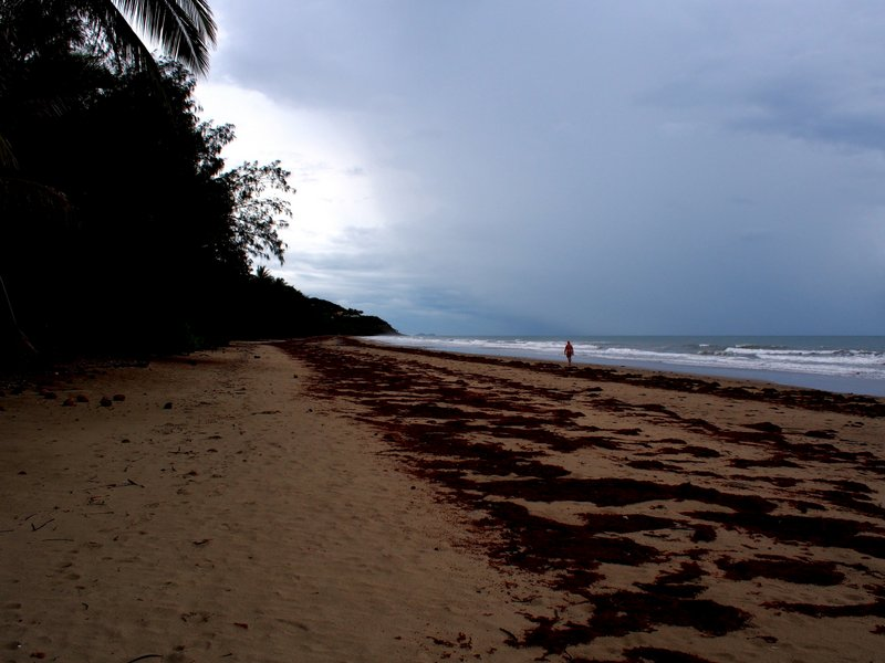 The walk along the beach to Port Douglas