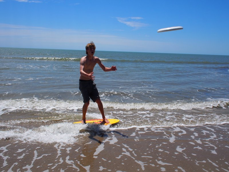 Skim frisbee