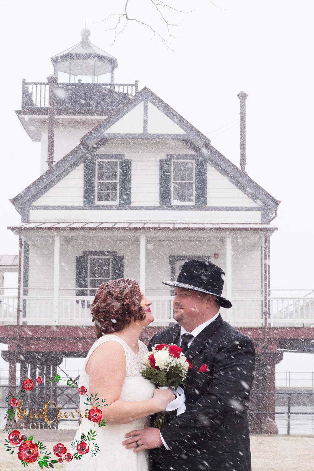 Winter Wedding at Edenton Lighthouse & Waterfront in Edenton North Carolina.