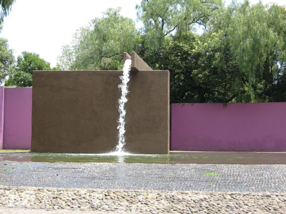 Fuente de los Amentes by Luis Barragan