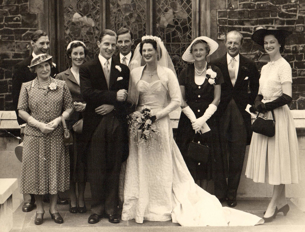 Maureen_Baker_Munton_wedding_with_Daphne_and_Boy.jpg