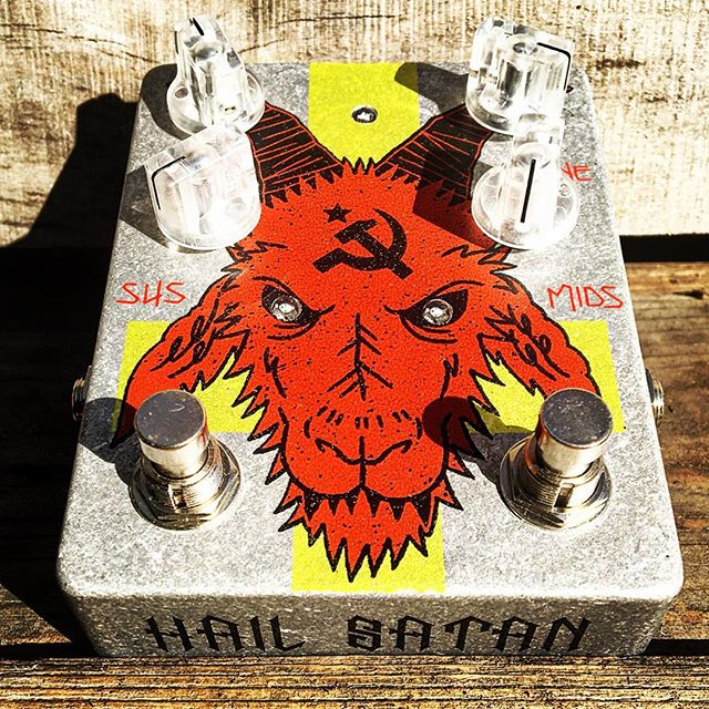Happy Fuzz Pedal Friday!! Here we have Abominable Electronics Hail Satan Russian!! This beast is a tweaked take on my favorite muff, the green russian.  Patrick has successfully made this thing even more evil then the original!! #howdeepisyourmuff #fuzzpedalfriday #hailsatan #fuzz #muff #fuzzbox #fuzzpedal #russianbigmuff #abominable #baphomet #hammerandsickle #pistoleroguitarworks #pistoleroguitars