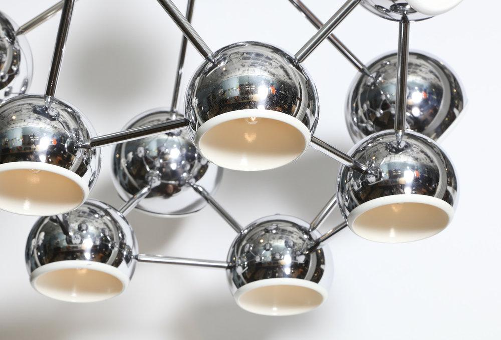 Molecule 6R1A6597.jpg