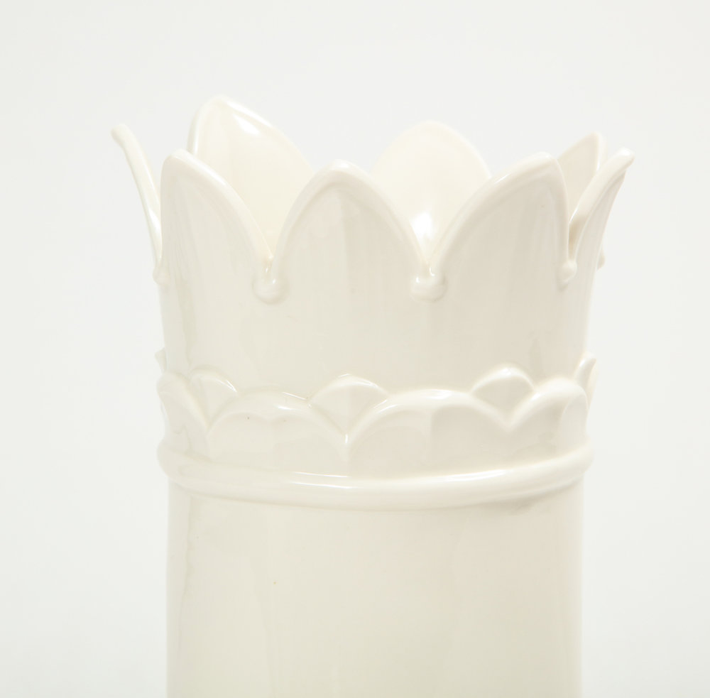 German Porcelain Horn 6R1A8609.jpg