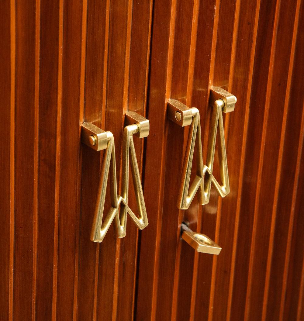 Borsani Pleated Cabinet 11.jpg
