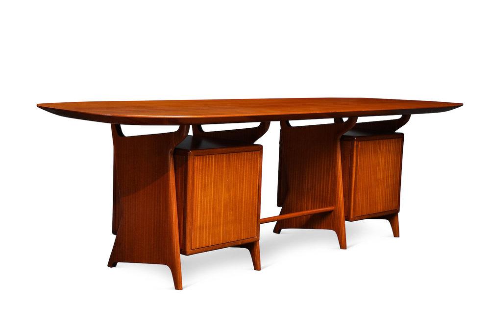 Ponti Desk & Panel 3.jpg