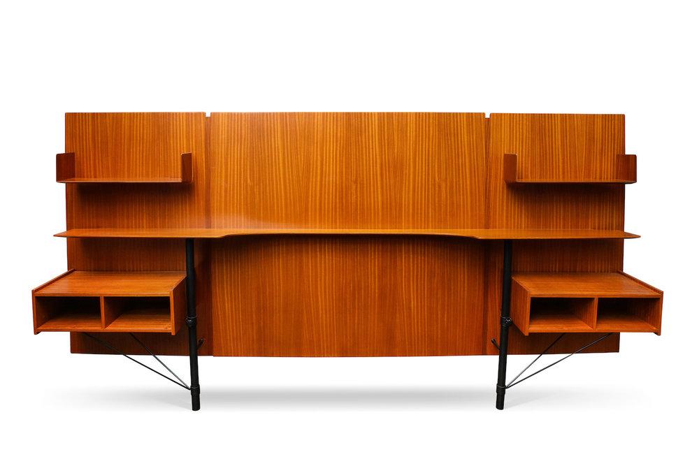Ponti Desk & Panel 1.jpg