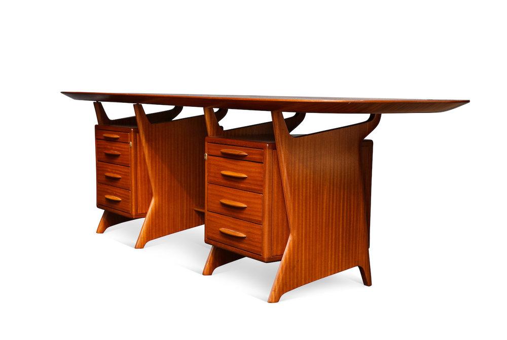Ponti Desk & Panel 7.jpg