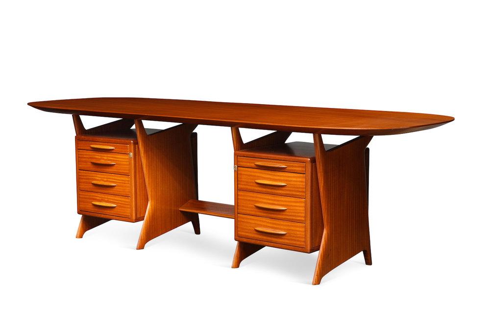 Ponti Desk & Panel 8.jpg