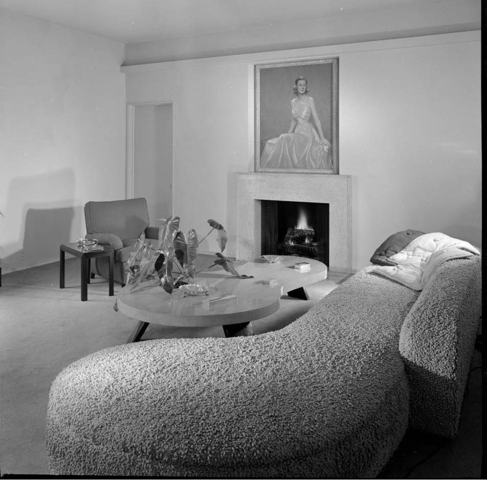 Sofa 2.png