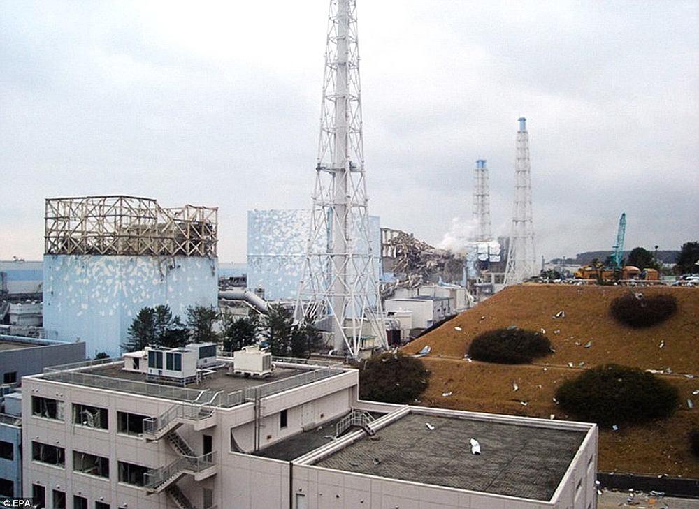 017FukushimaDaiichiNuclearReactorDisaster.jpg