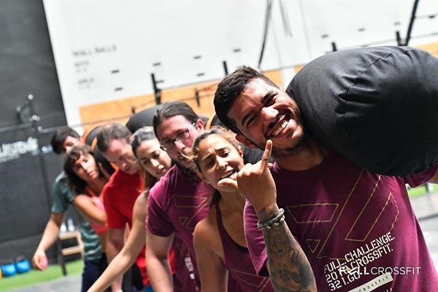 FULL GOOD VIBES. A por el fin de semana. GOOOO  #fullcrossfit #fulltraining #fullfit #fitness #training #valencia #gym #gimnasio #girlpower #crossfit #crossfitgames #españa #entrenamiento #training #functionaltraining #beachlife #benimaclet #lapatacona #lamalvarrosa