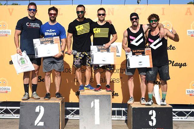 Enhorabuena a todos los FULL ATLETAS que habéis representado nuestro escudo en los @taronjagames A seguir creciendo y mejorando, esto es una carrera de larga distancia un modo de vida.  Y en especial a nuestros coaches @danilujan035 y @luisvfo por su GRAN tercer lugar. 321.GO.  #fullcrosfit #fullfit #fulltraining #training #gym #gimnasio #deporte #taronjagames #valencia #españa #spain🇪🇸 #crossfit #crossfitgames #fitness #fit #functionaltraining