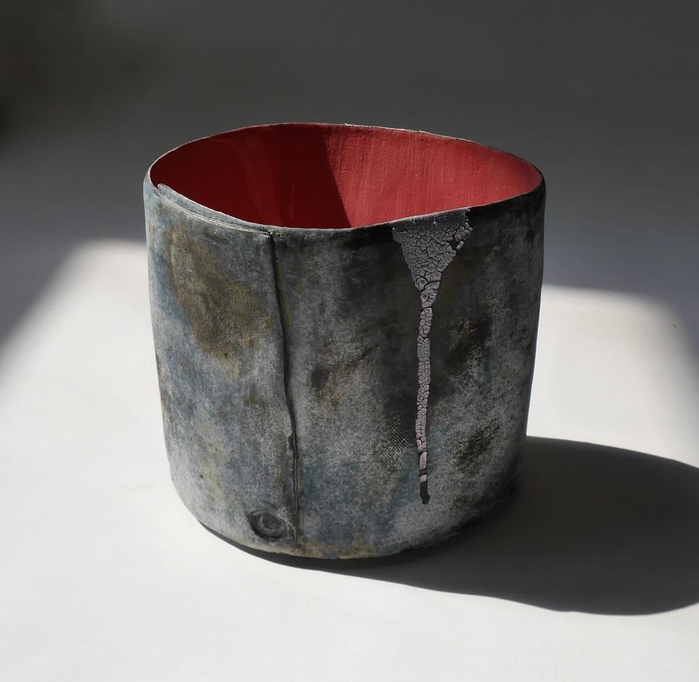Ref. 19585.FAVELA VESSEL (Red) s:w. H.13cm.jpg