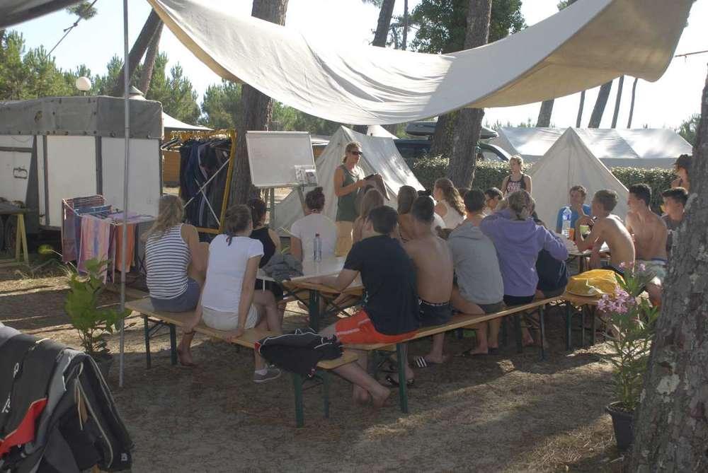 surf-camp-france-camp.jpg