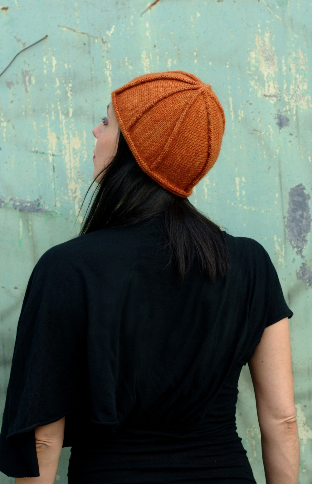 Asymloche sideways knit Hat pattern