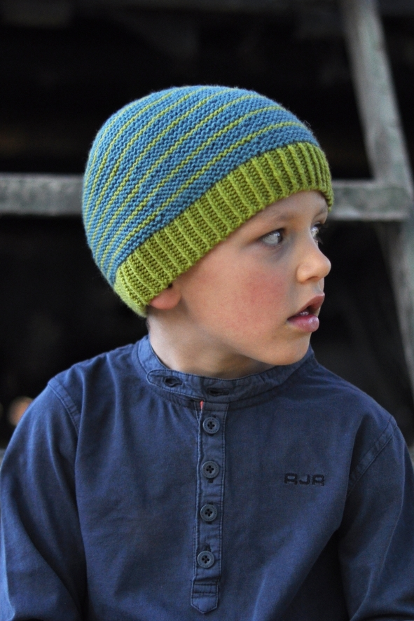 Labyrinth striped beanie knitting pattern