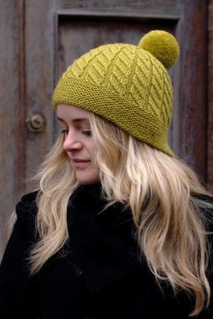 Skelter Split Brim Pompom Hat Knitting Pattern For Worsted Woolly