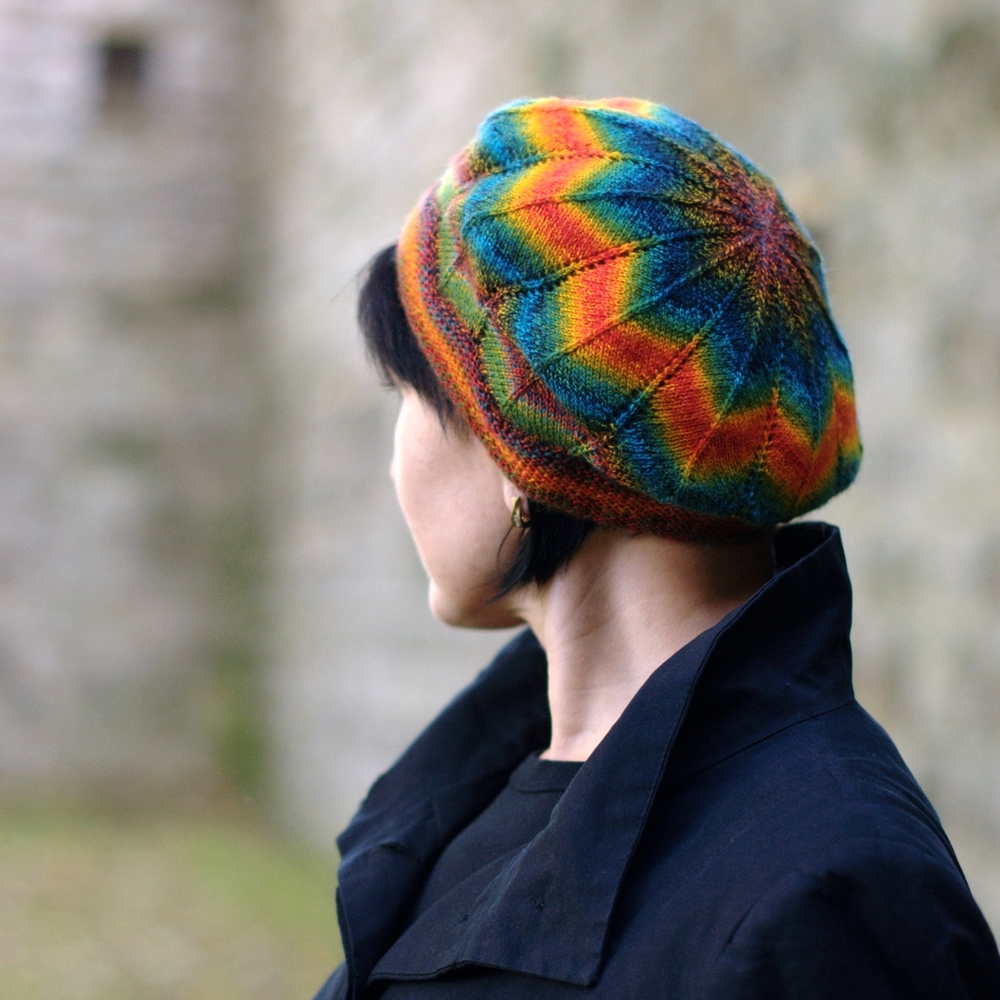 Symetrie beret knitting pattern for sock yarn