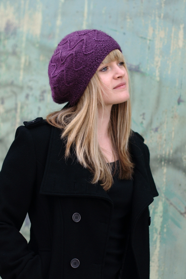 Traversa zigzag beret knitting pattern
