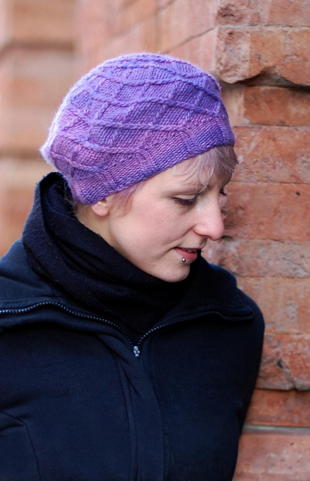 Aeonium lattice cable beret knitting pattern