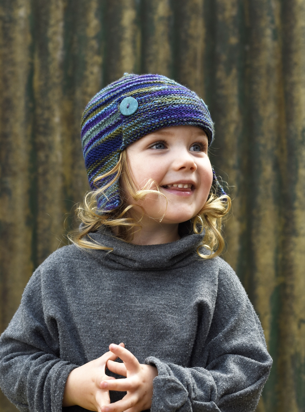 Aerial earflap aviator Hat knitting pattern for sock yarn