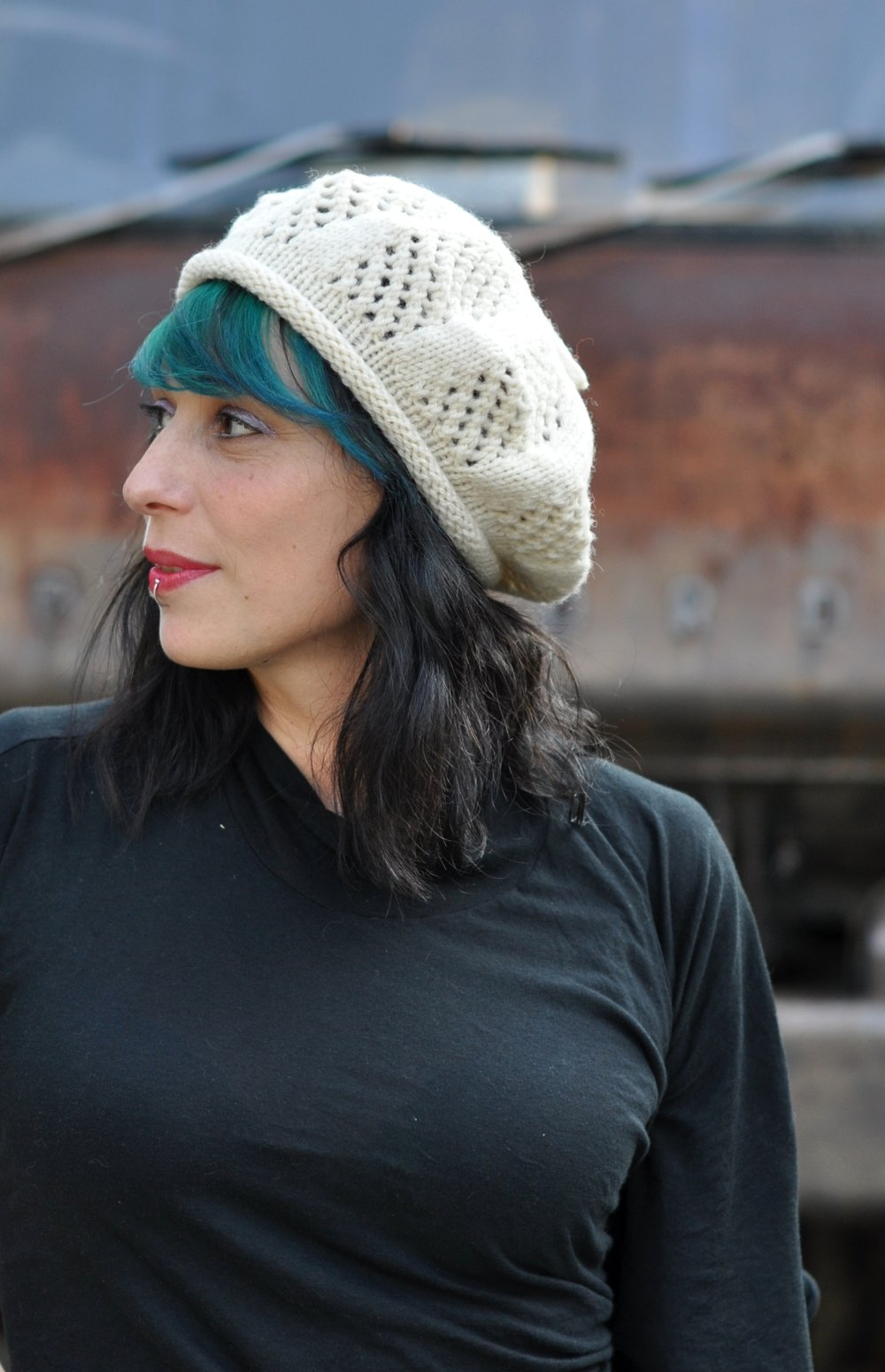 Trellis beret lace design hand knititng pattern