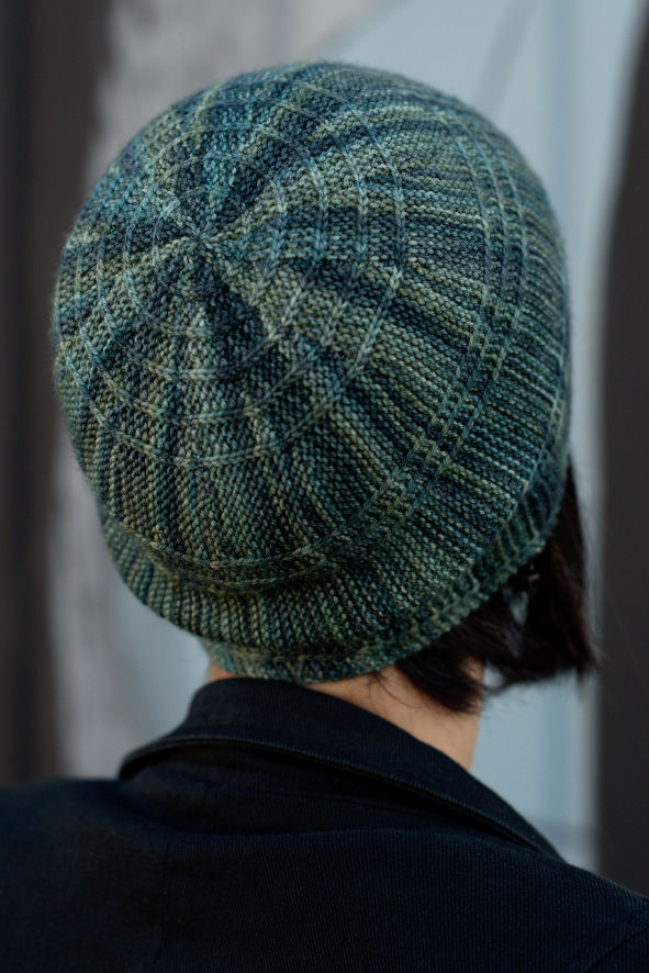 Circled 2 sideways knit concetric circles slouchy Hat pattern