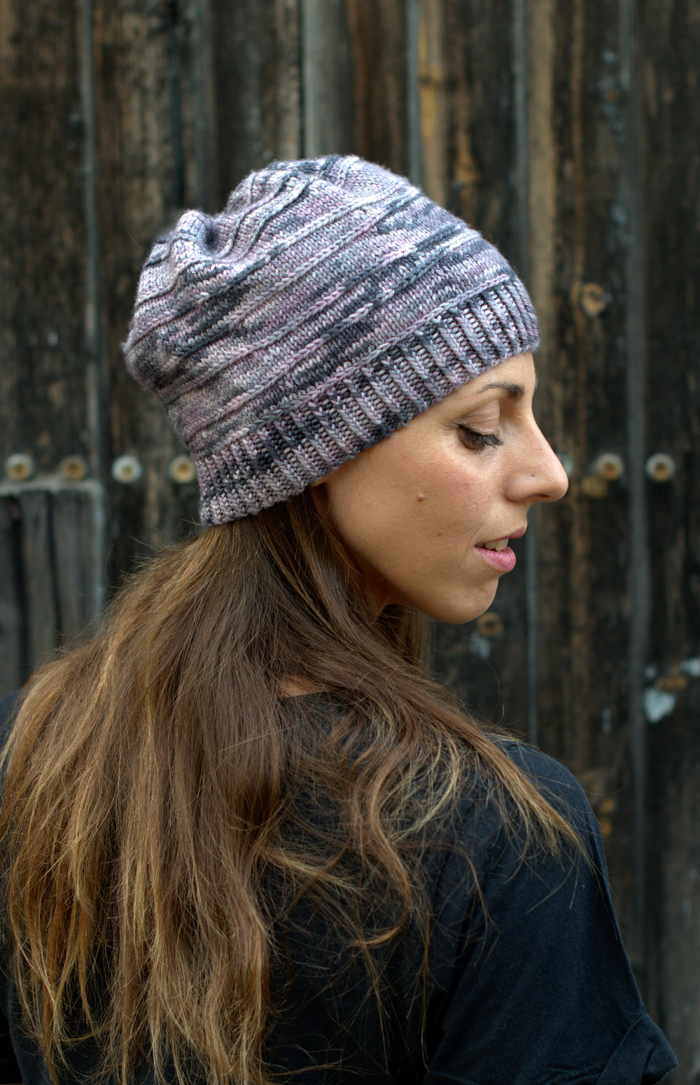 Contoura hand knitting pattern for slouchy beanie Hat featuring short rows