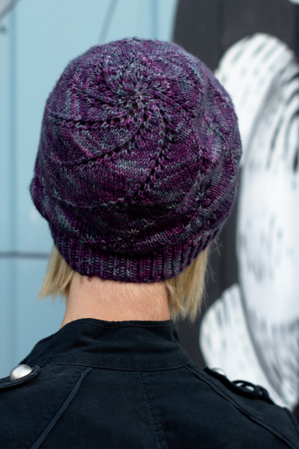 Mulinello spiral slouch Hat hand knitting pattern