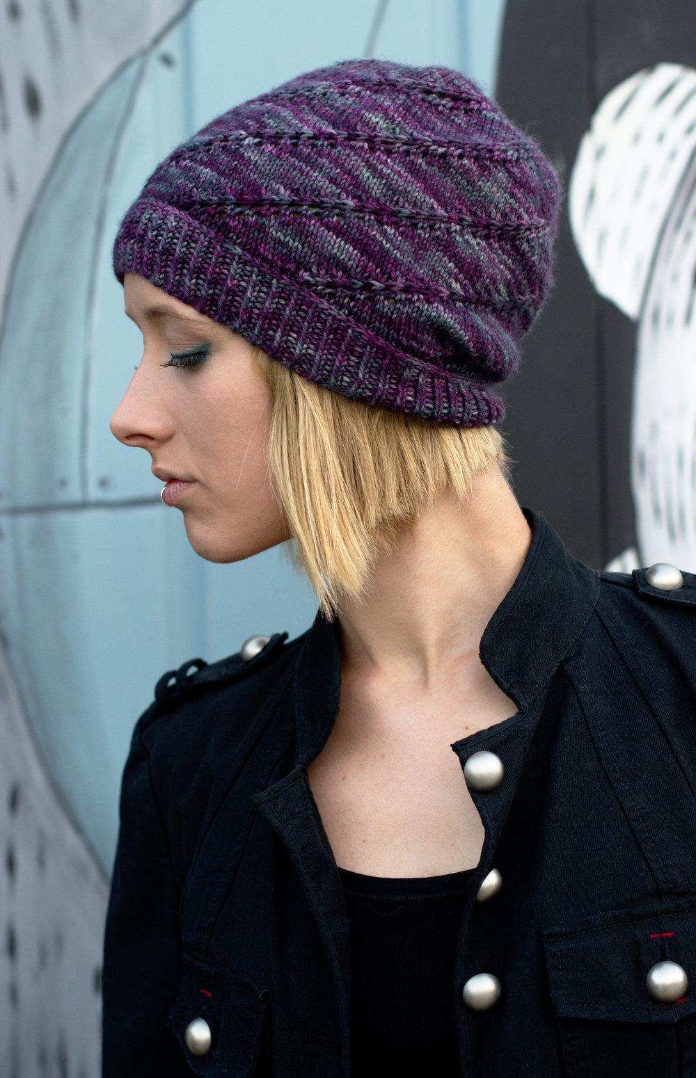 Mulinello spiral slouchy beanie Hat hand knitting pattern
