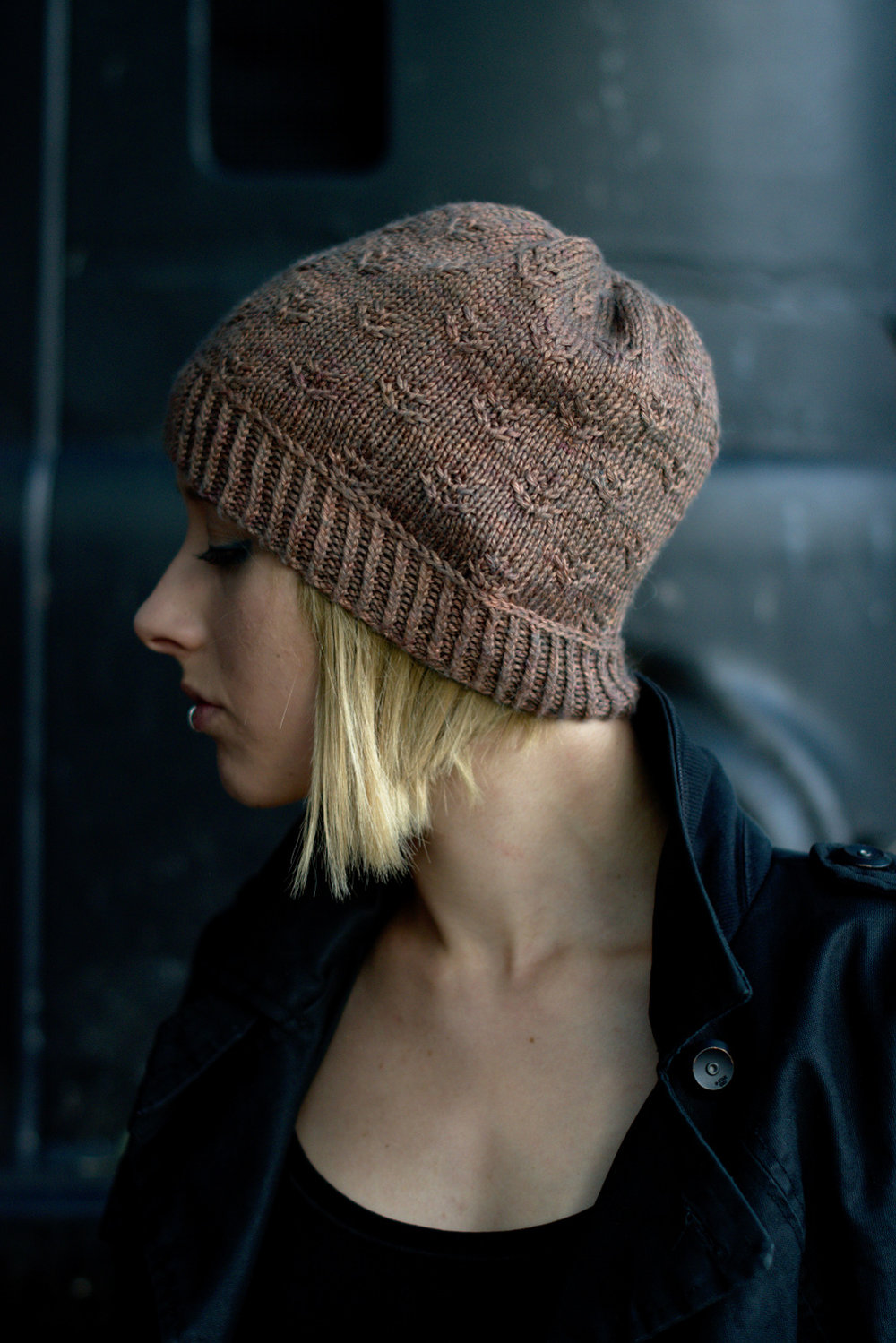 Ponderosa slouchy hat hand knitting pattern for DK yarn