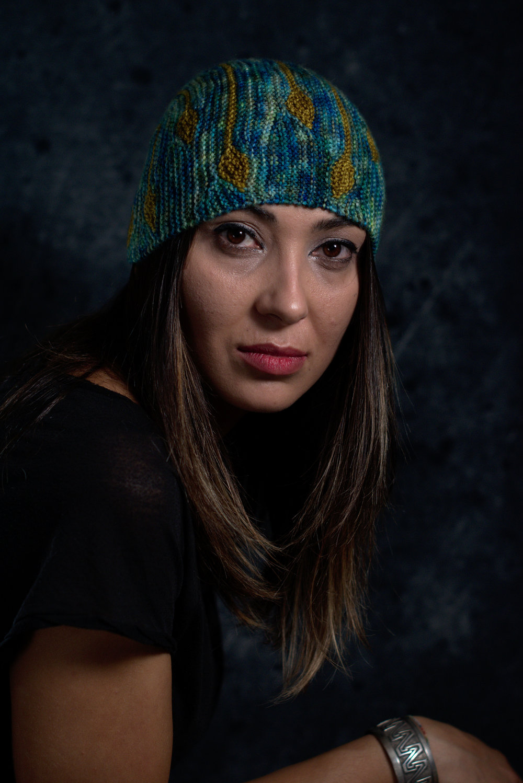 Bilateral sideways knit short row striped hat knitting pattern