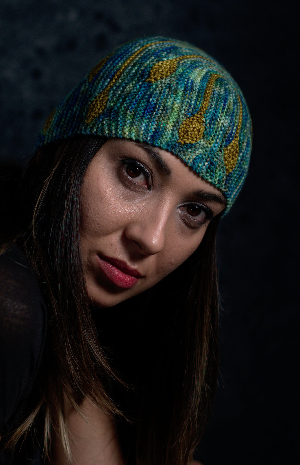 Bilateral sideways knit short row colourwork hand knitting Hat pattern