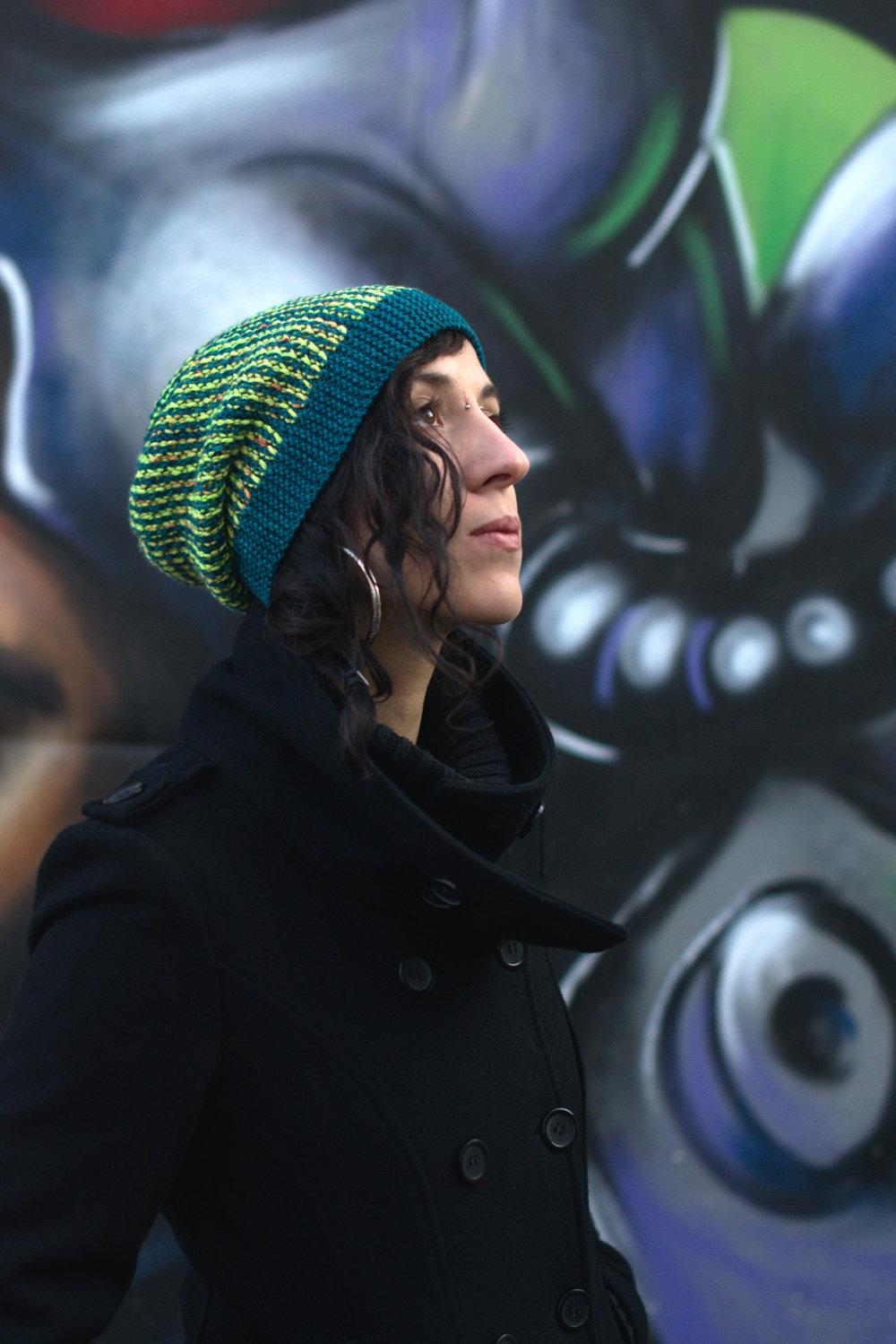 Kourserb reversible sideways knit slouchy hat in two colours for dk yarn