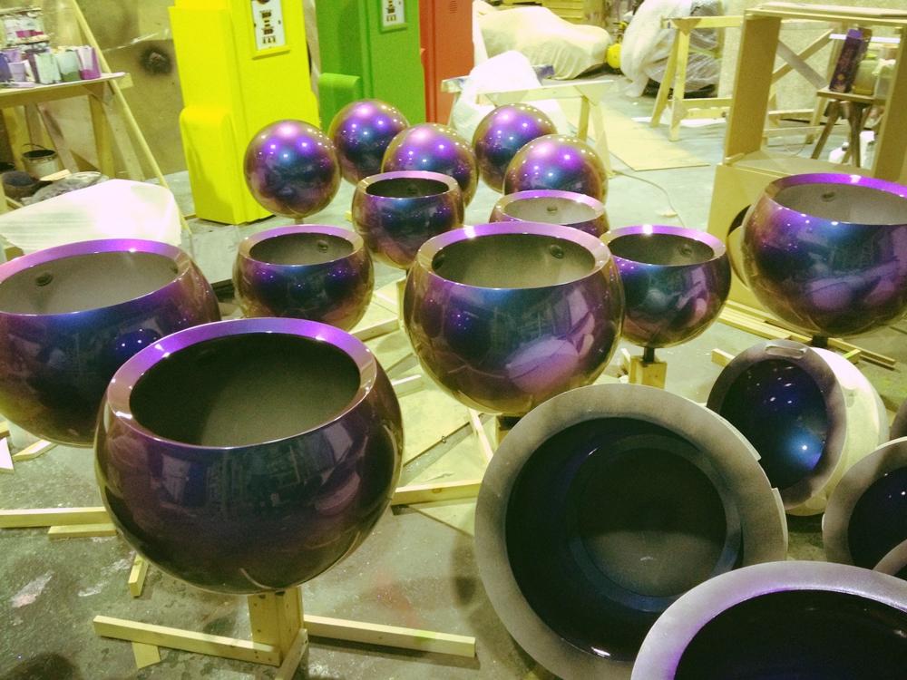 Propability / Events & Promotions/ Design / Sculpts / Installation / Design/ Manufacture / Louis Vuitton / selfridges / balls in progress
