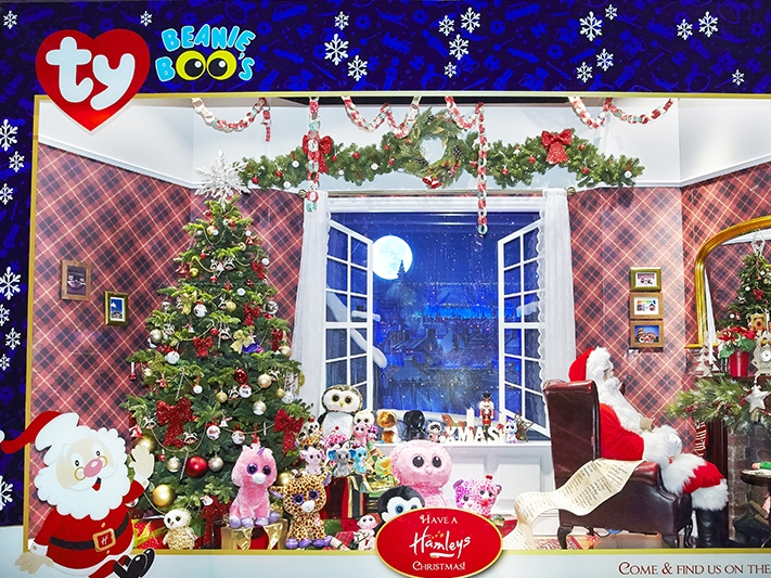 TY CHRISTMAS WINDOWS - HAMLEYS   November 2014