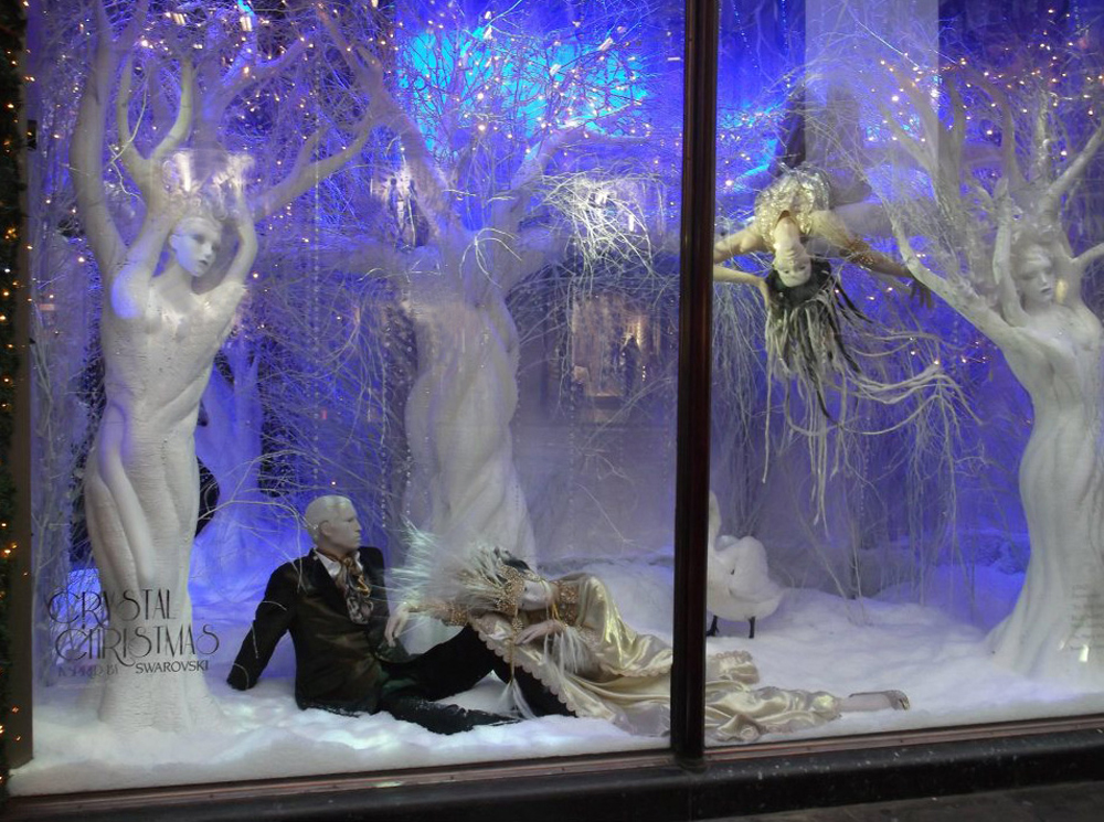 SWAROVSKI WINDOWS - HARRODS   October 2011